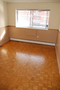 Studio / Bachelor Apartments for rent in Notre-Dame-de-Grace at 5105 Rosedale Ave - Photo 03 - RentQuebecApartments – L115575