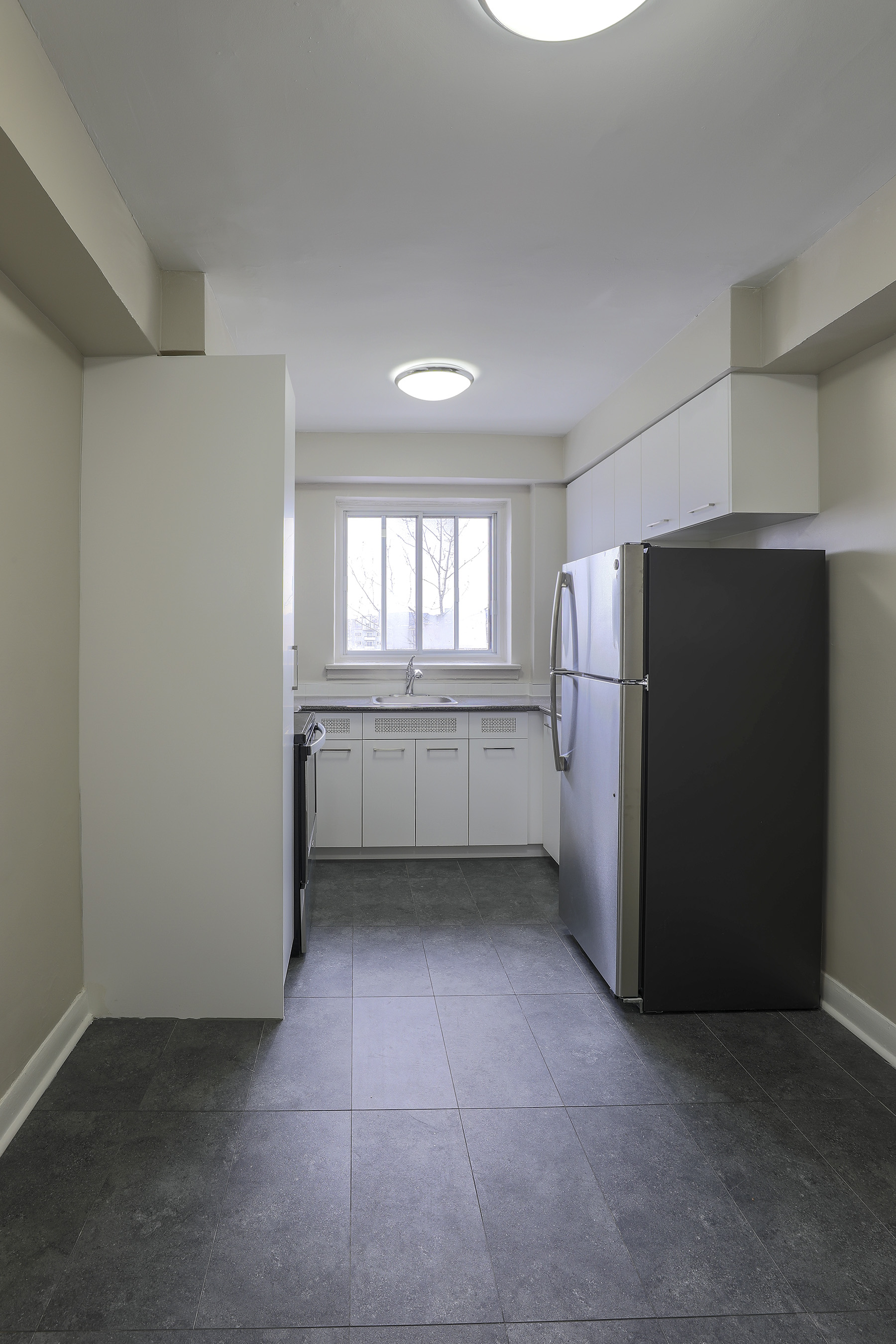 1 bedroom Apartments for rent in Montreal West at 6955 Fielding - Photo 07 - RentQuebecApartments – L401541