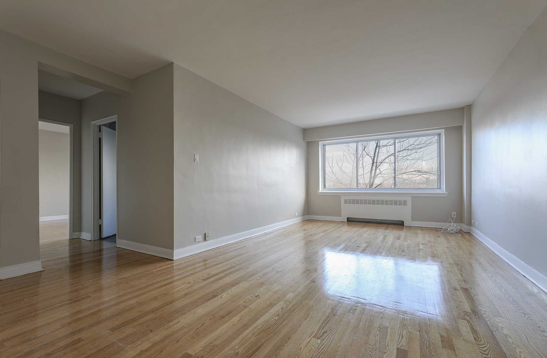1 bedroom Apartments for rent in Montreal West at 6955 Fielding - Photo 03 - RentQuebecApartments – L401541