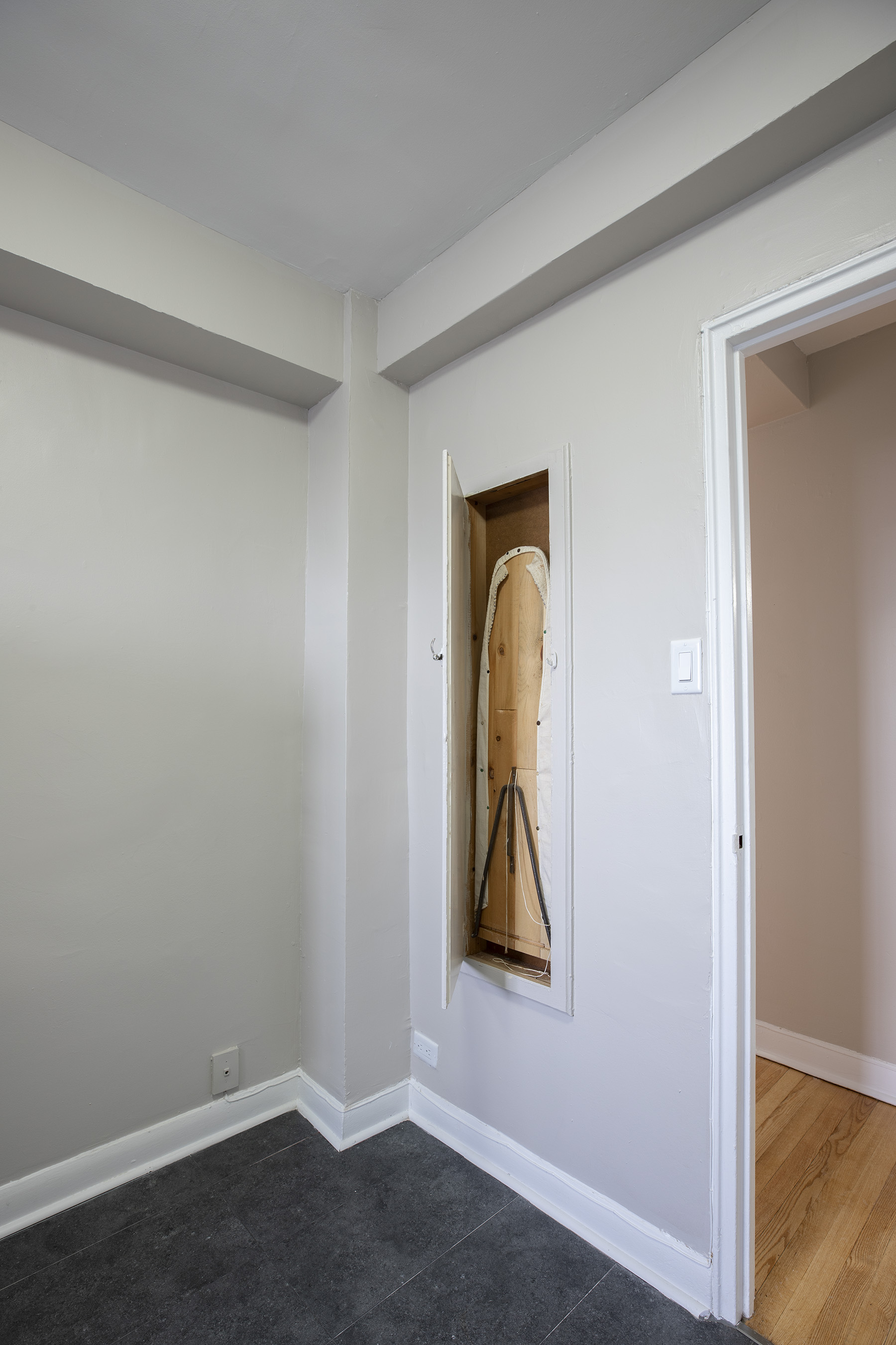 1 bedroom Apartments for rent in Montreal West at 6955 Fielding - Photo 09 - RentQuebecApartments – L401541