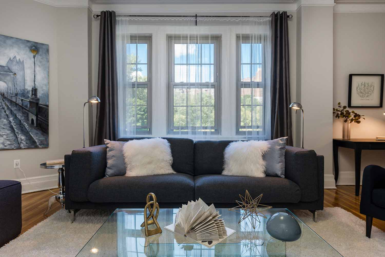 luxurious 1 bedroom Apartments for rent in Montreal (Downtown) at Haddon Hall - Photo 03 - RentQuebecApartments – L2256