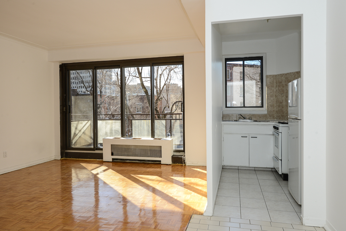 1 bedroom Apartments for rent in Montreal (Downtown) at Guy concordia Metro - Photo 01 - RentQuebecApartments – L1060