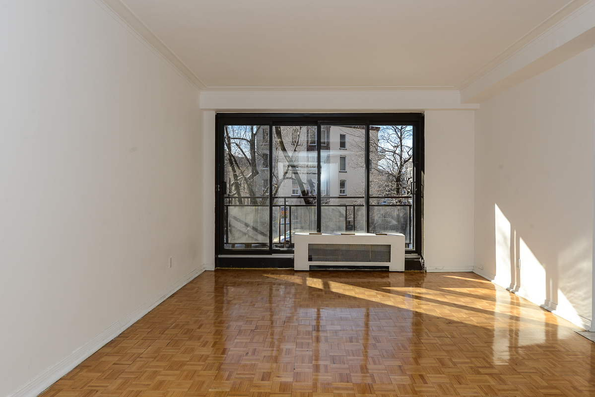 1 bedroom Apartments for rent in Montreal (Downtown) at Guy concordia Metro - Photo 03 - RentQuebecApartments – L1060