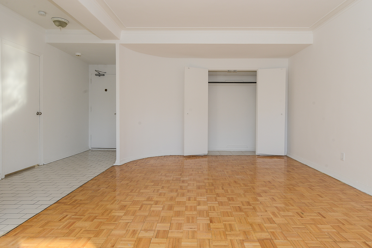 1 bedroom Apartments for rent in Montreal (Downtown) at Guy concordia Metro - Photo 05 - RentQuebecApartments – L1060