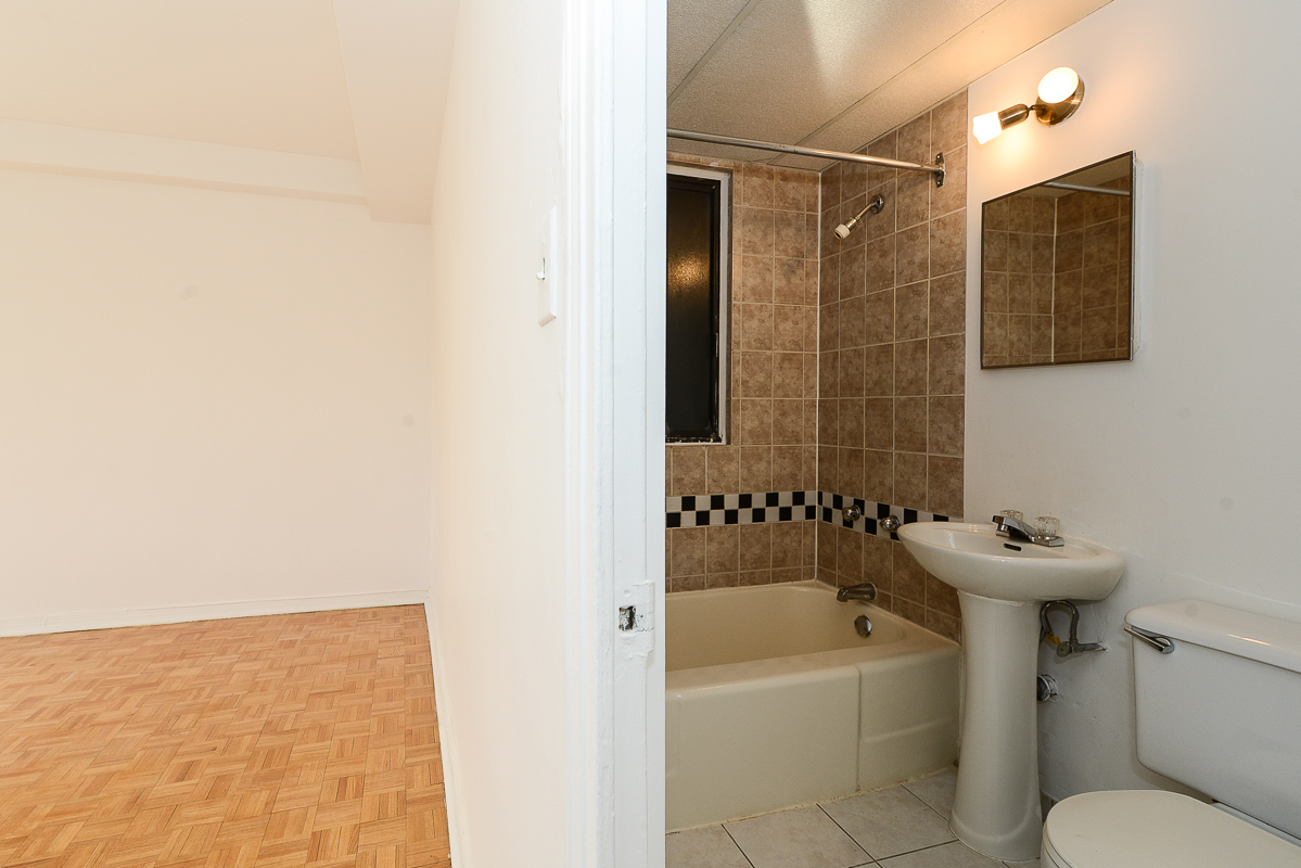 1 bedroom Apartments for rent in Montreal (Downtown) at Guy concordia Metro - Photo 06 - RentQuebecApartments – L1060