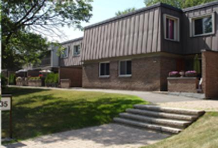 3 bedroom Townhouses for rent in Beaconsfield at Beacon Hill Villa - Photo 02 - RentQuebecApartments – L9367