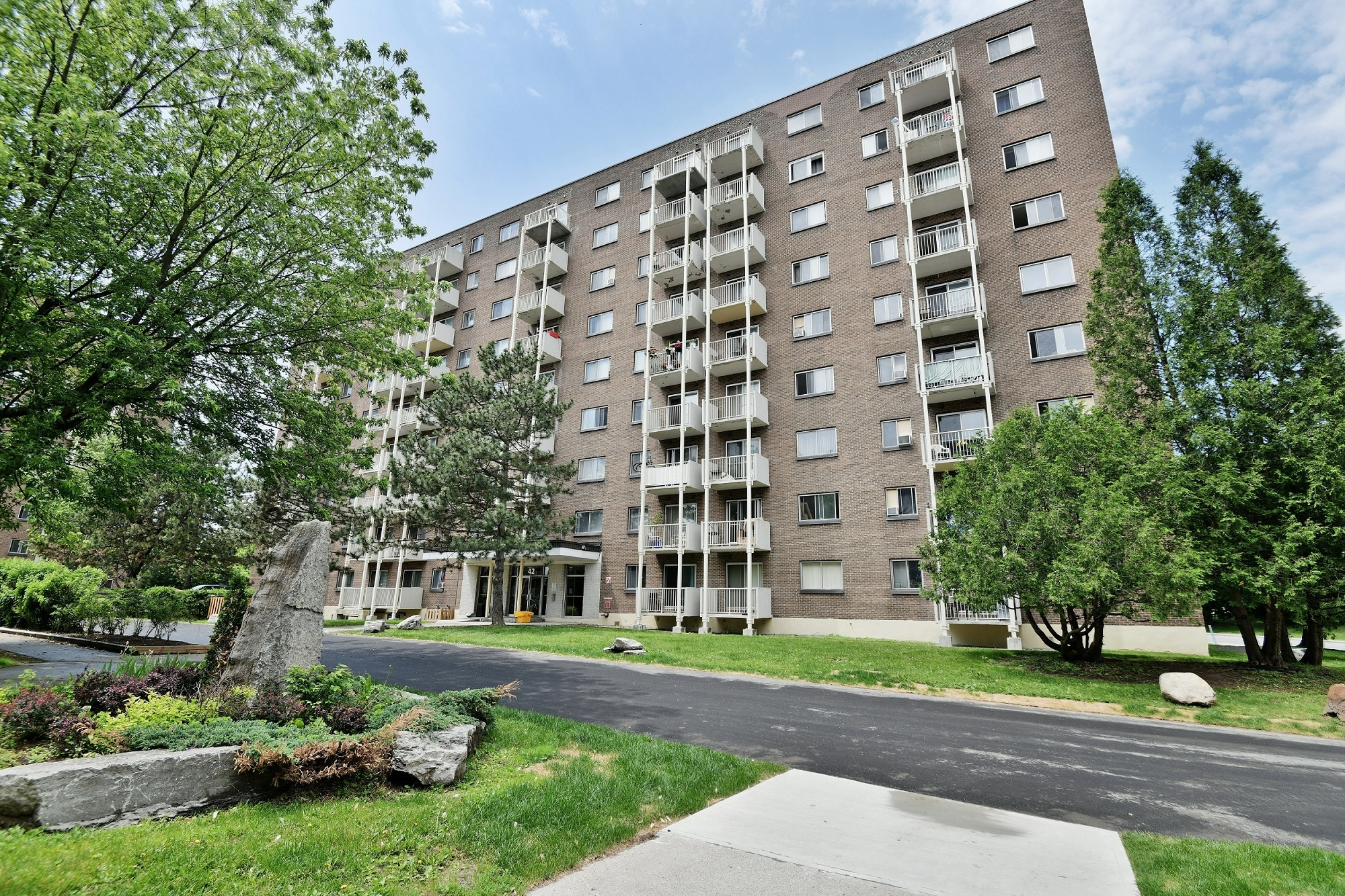 1 bedroom Apartments for rent in Gatineau-Hull at Habitat du Lac Leamy - Photo 01 - RentQuebecApartments – L401592