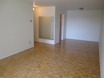 2 bedroom Apartments for rent in Ville St-Laurent - Bois-Franc at Plaza Oasis - Photo 18 - RentQuebecApartments – L1792