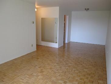 2 bedroom Apartments for rent in Ville St-Laurent - Bois-Franc at Plaza Oasis - Photo 19 - RentQuebecApartments – L1792