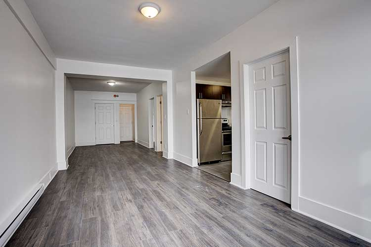 3 bedroom Apartments for rent in Westmount at 4560 Ste Catherine West - Photo 08 - RentQuebecApartments – L9820