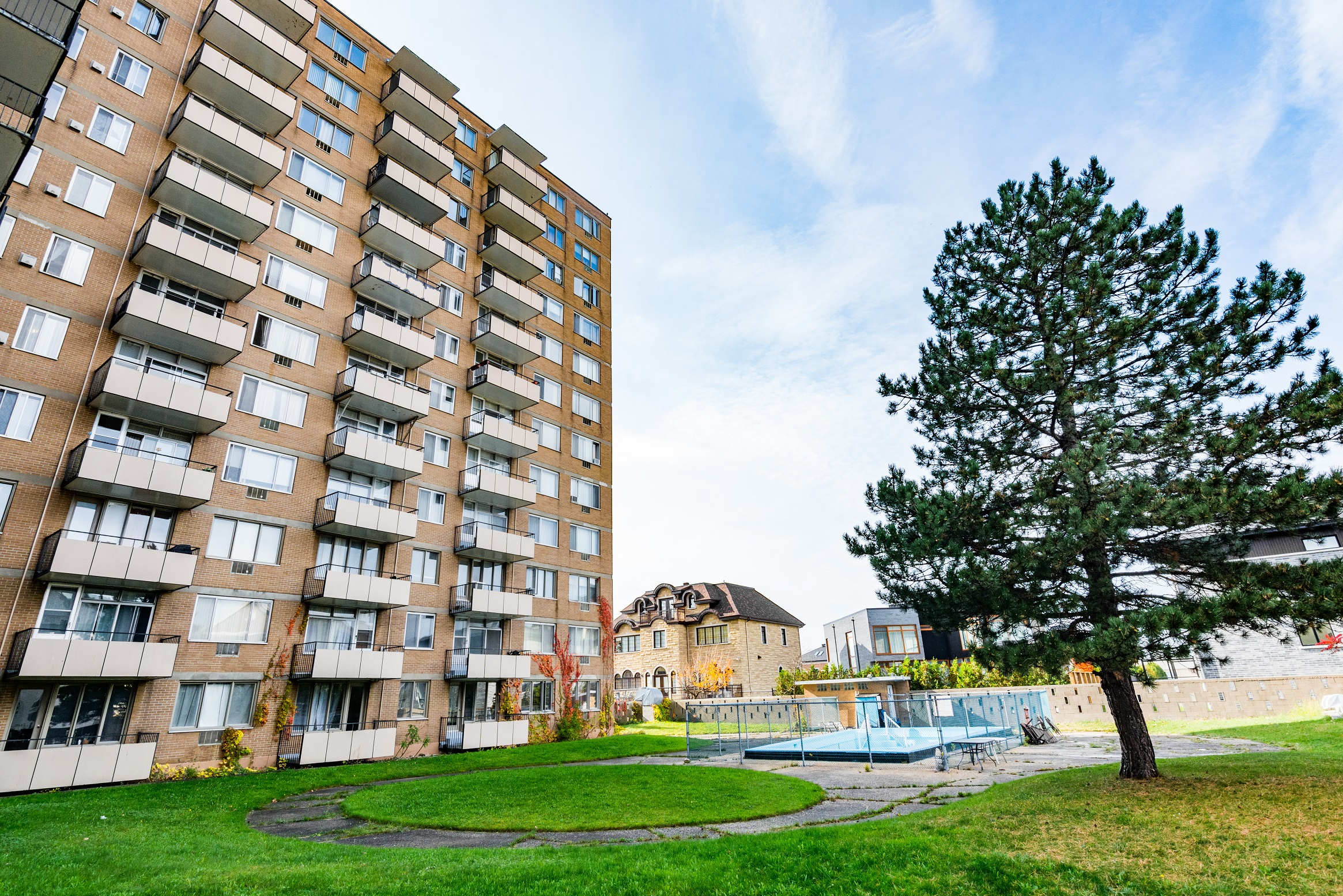 1 bedroom Apartments for rent in Cote-St-Luc at Kildare House - Photo 05 - RentQuebecApartments – L2075