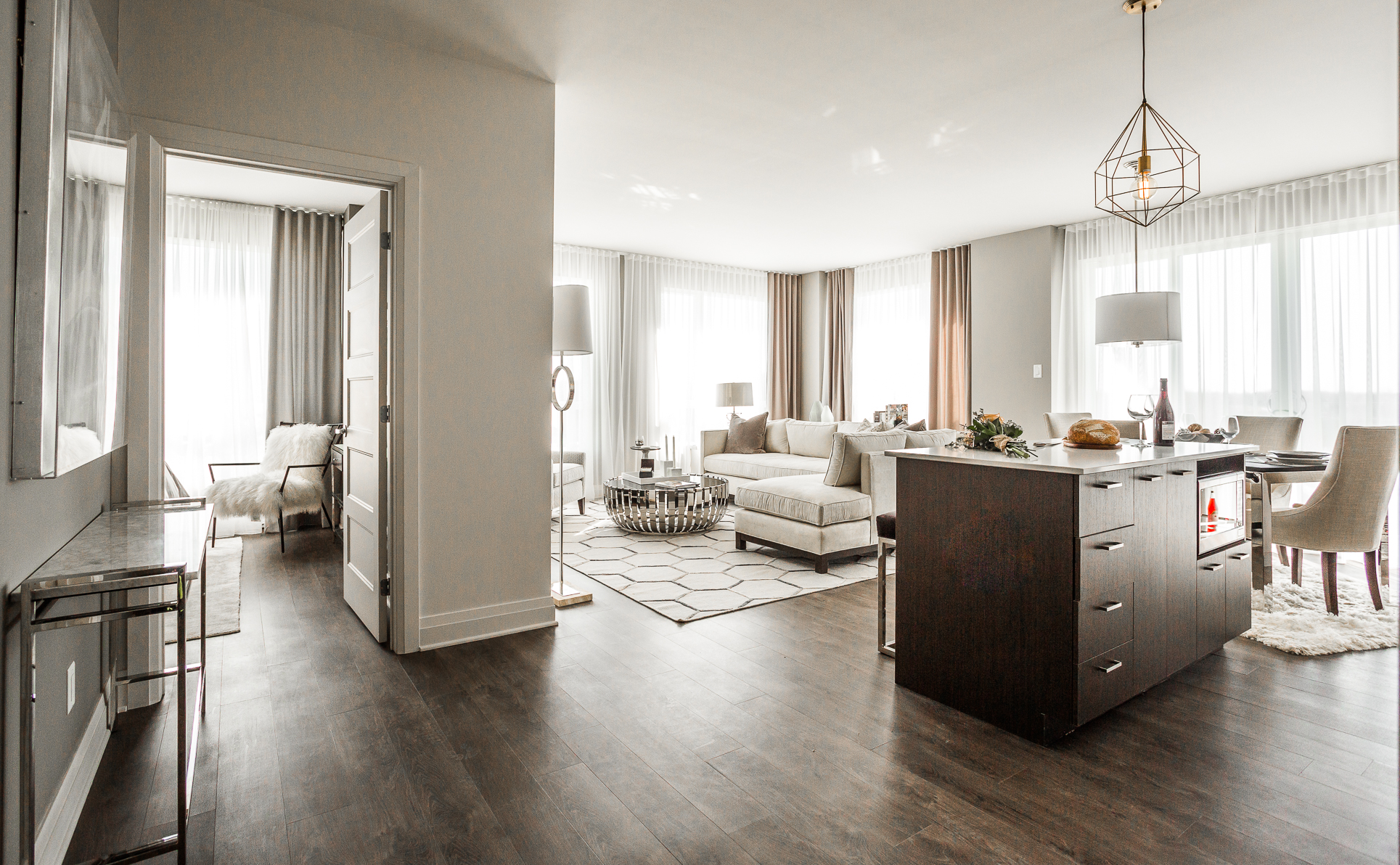 luxurious 2 bedroom Condos for rent in Cote-St-Luc at Collection Equinoxe - Marc Chagall - Photo 03 - RentQuebecApartments – L293825