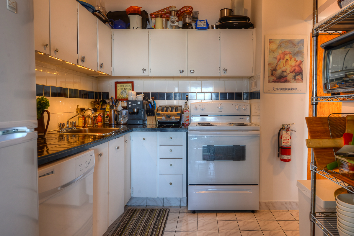 2 bedroom Apartments for rent in Montreal (Downtown) at Place du Cercle - Photo 09 - RentQuebecApartments – L1150