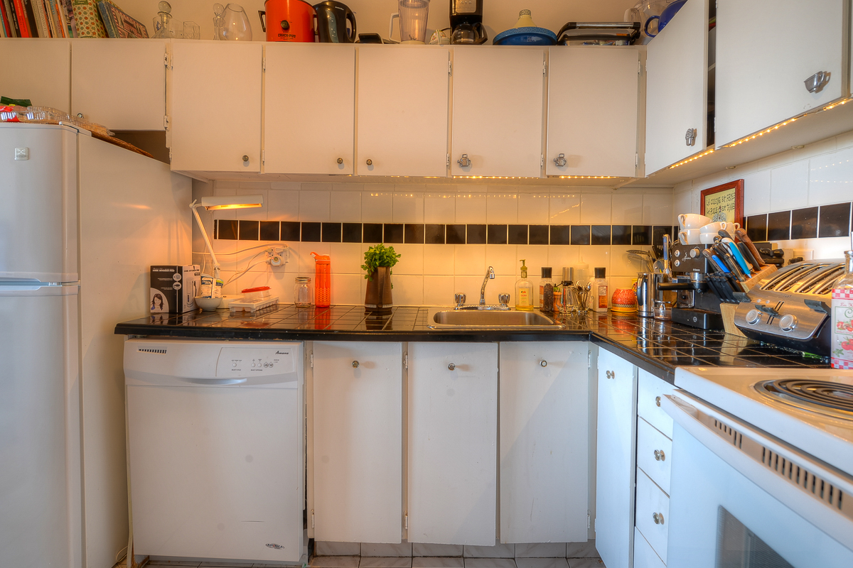 2 bedroom Apartments for rent in Montreal (Downtown) at Place du Cercle - Photo 10 - RentQuebecApartments – L1150