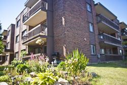 1 bedroom Apartments for rent in Dollard-des-Ormeaux at Place Fairview - Photo 02 - RentQuebecApartments – L1930