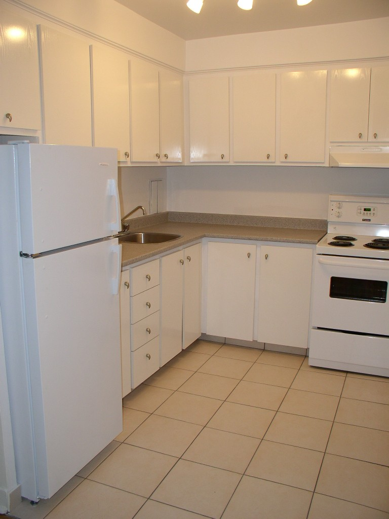 Studio / Bachelor Apartments for rent in Montreal (Downtown) at Nouveau Colisee - Photo 02 - RentQuebecApartments – L23177