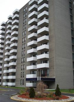 1 bedroom Apartments for rent in Ville St-Laurent - Bois-Franc at Chateau Lise - Photo 01 - RentQuebecApartments – L630