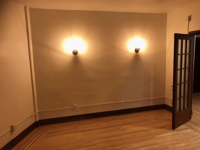 2 bedroom Apartments for rent in Notre-Dame-de-Grace at 6876 Sherbrooke West - Photo 03 - RentQuebecApartments – L402146