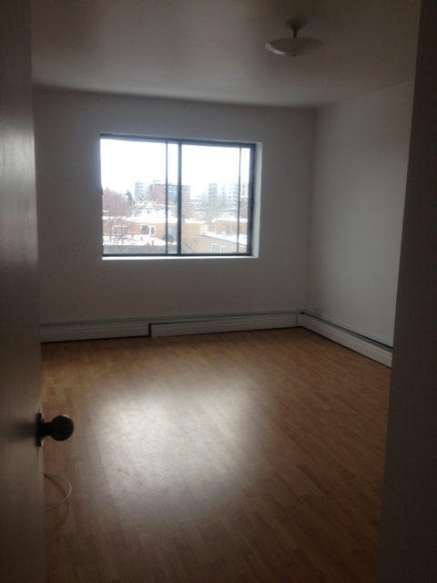 2 bedroom Apartments for rent in Ville St-Laurent - Bois-Franc at 2775 Modugno - Photo 01 - RentQuebecApartments – L23640