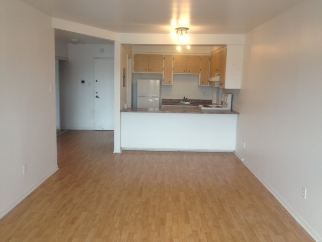2 bedroom Apartments for rent in Ville St-Laurent - Bois-Franc at 2775 Modugno - Photo 02 - RentQuebecApartments – L23640
