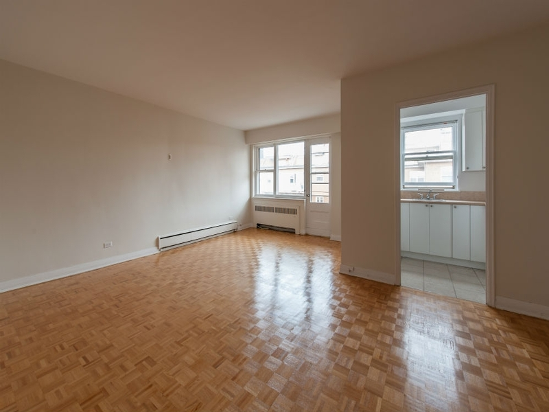 2 bedroom Apartments for rent in Westmount at Metcalfe - Photo 02 - RentQuebecApartments – L168608