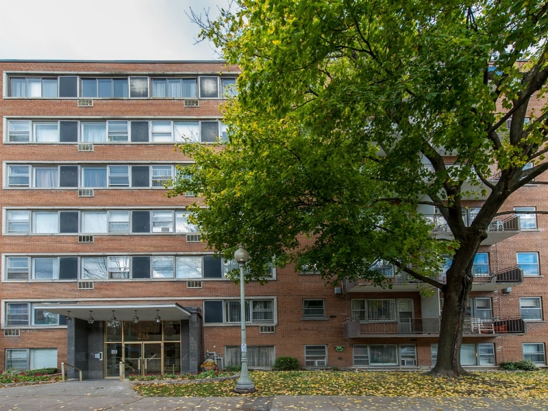 2 bedroom Apartments for rent in Westmount at Metcalfe - Photo 03 - RentQuebecApartments – L168608