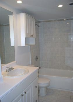 3 bedroom Apartments for rent in Cote-St-Luc at 5150 MacDonald - Photo 02 - RentQuebecApartments – L5751