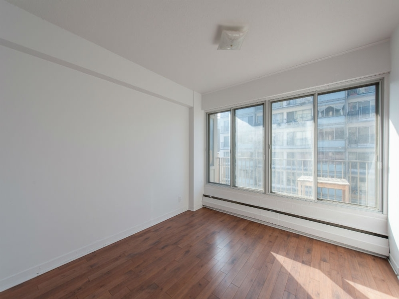 Montreal Downtown 1 Bedroom Apartments For Rent At Le Barcelona