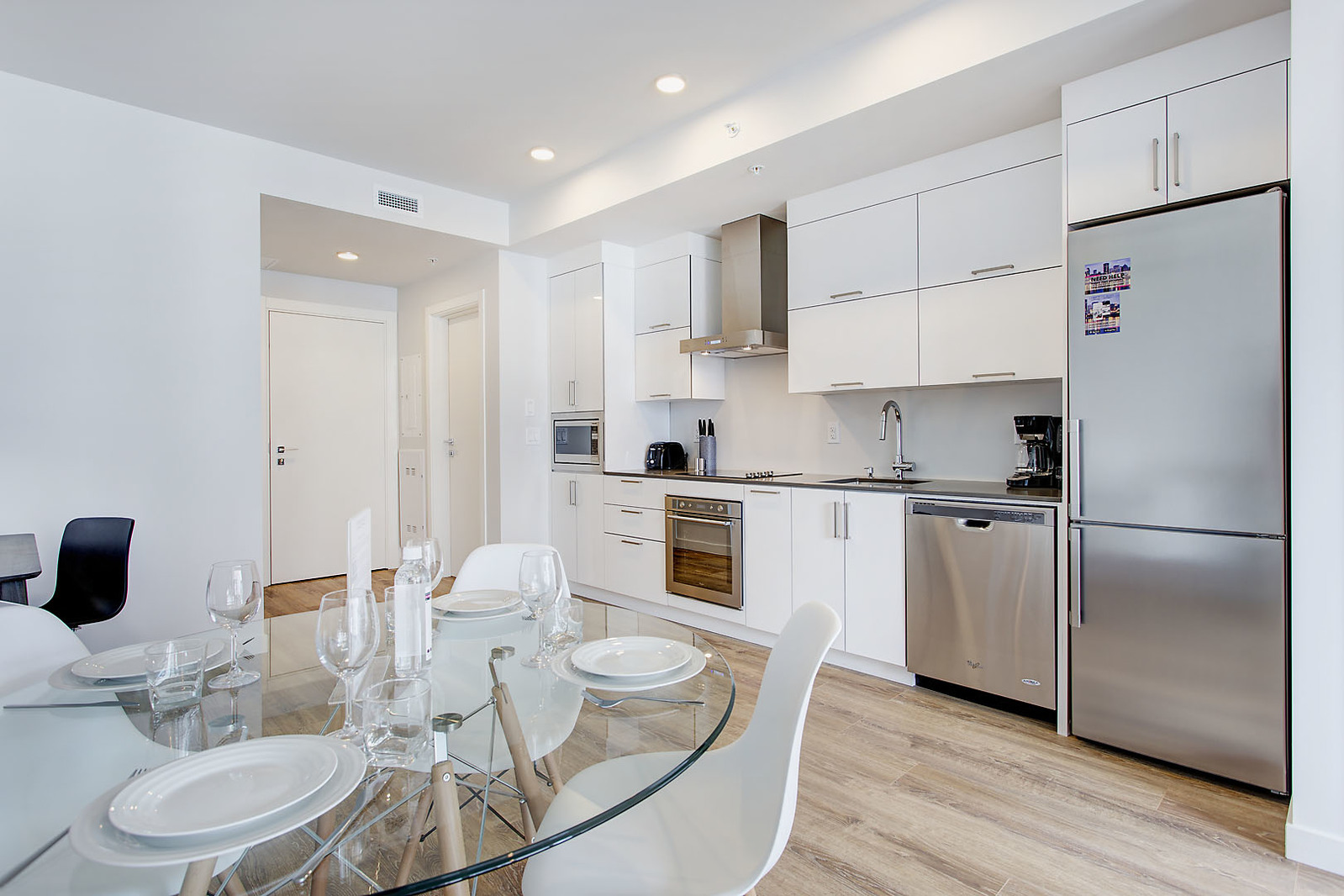 furnished 1 bedroom Apartments for rent in Montreal (Downtown) at Le Rubic - Photo 08 - RentQuebecApartments – L198455