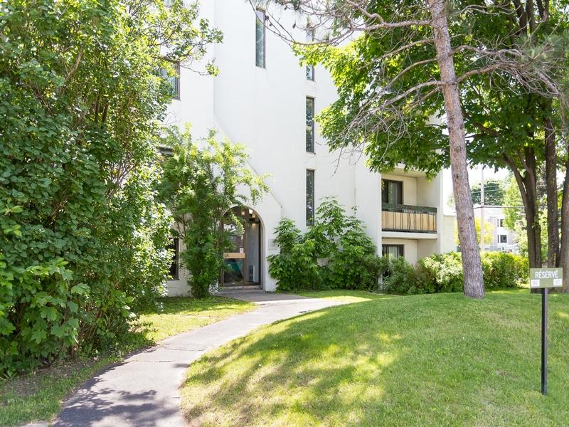 Studio / Bachelor Apartments for rent in Sainte Julie at Le Champfleury - Photo 01 - RentQuebecApartments – L168598