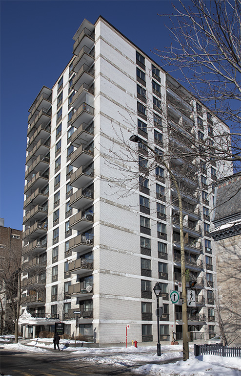 Studio / Bachelor Apartments for rent in Montreal (Downtown) at Le Marco Appartements - Photo 01 - RentQuebecApartments – L401544