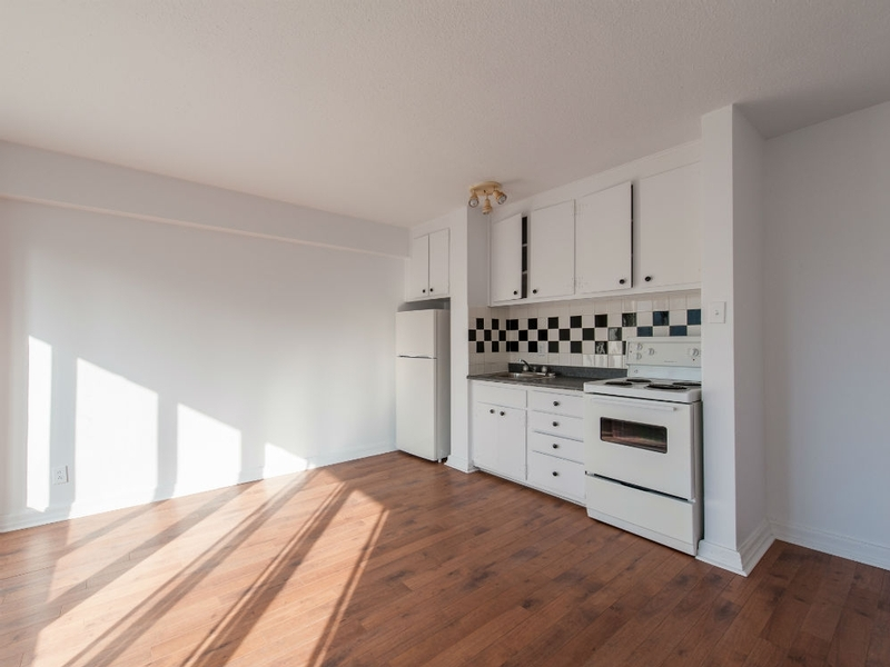 Studio / Bachelor Apartments for rent in Montreal (Downtown) at Le Barcelona - Photo 08 - RentQuebecApartments – L168312