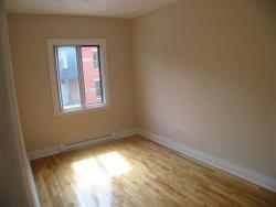 Studio / Bachelor Apartments for rent in Montreal (Downtown) at 3687 Clark - Photo 06 - RentQuebecApartments – L6442
