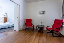 furnished 3 bedroom Apartments for rent in Cote-des-Neiges at 2219-2229 Edouard-Montpetit - Photo 03 - RentQuebecApartments – L1879