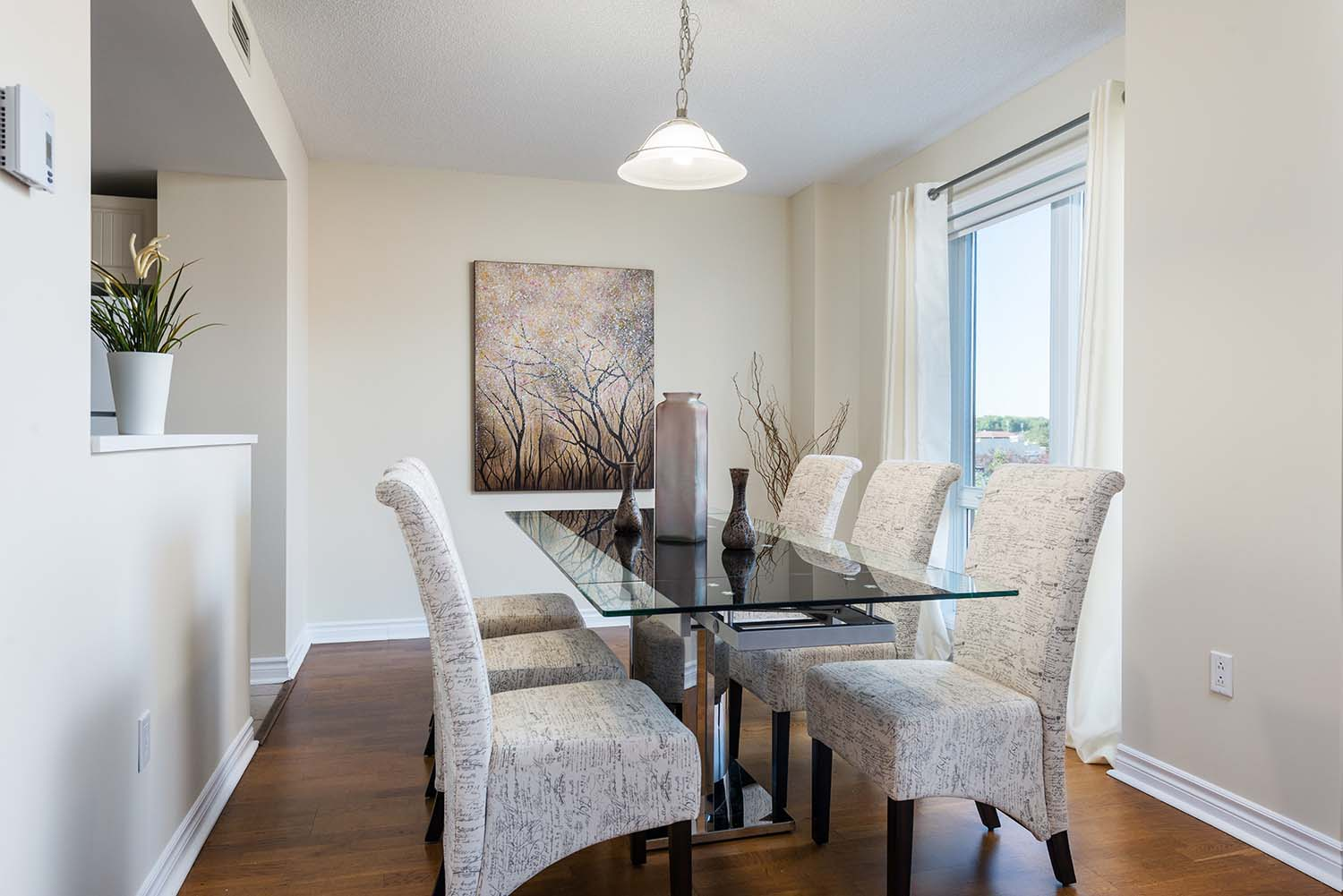 1 bedroom Apartments for rent in Cote-St-Luc at Excelsior - Photo 02 - RentQuebecApartments – L6070