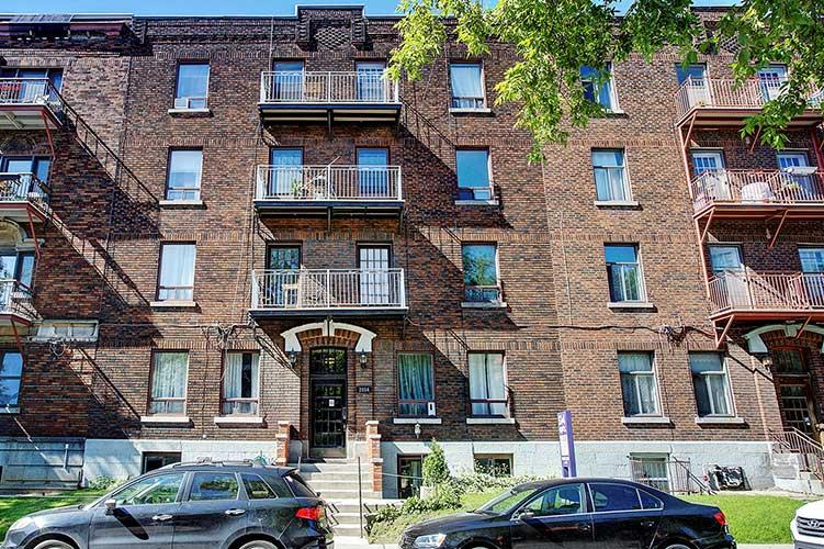 1 bedroom Apartments for rent in Westmount at 2054 Claremont - Photo 03 - RentQuebecApartments – L9823