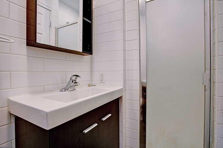 1 bedroom Apartments for rent in Westmount at 2054 Claremont - Photo 04 - RentQuebecApartments – L9823