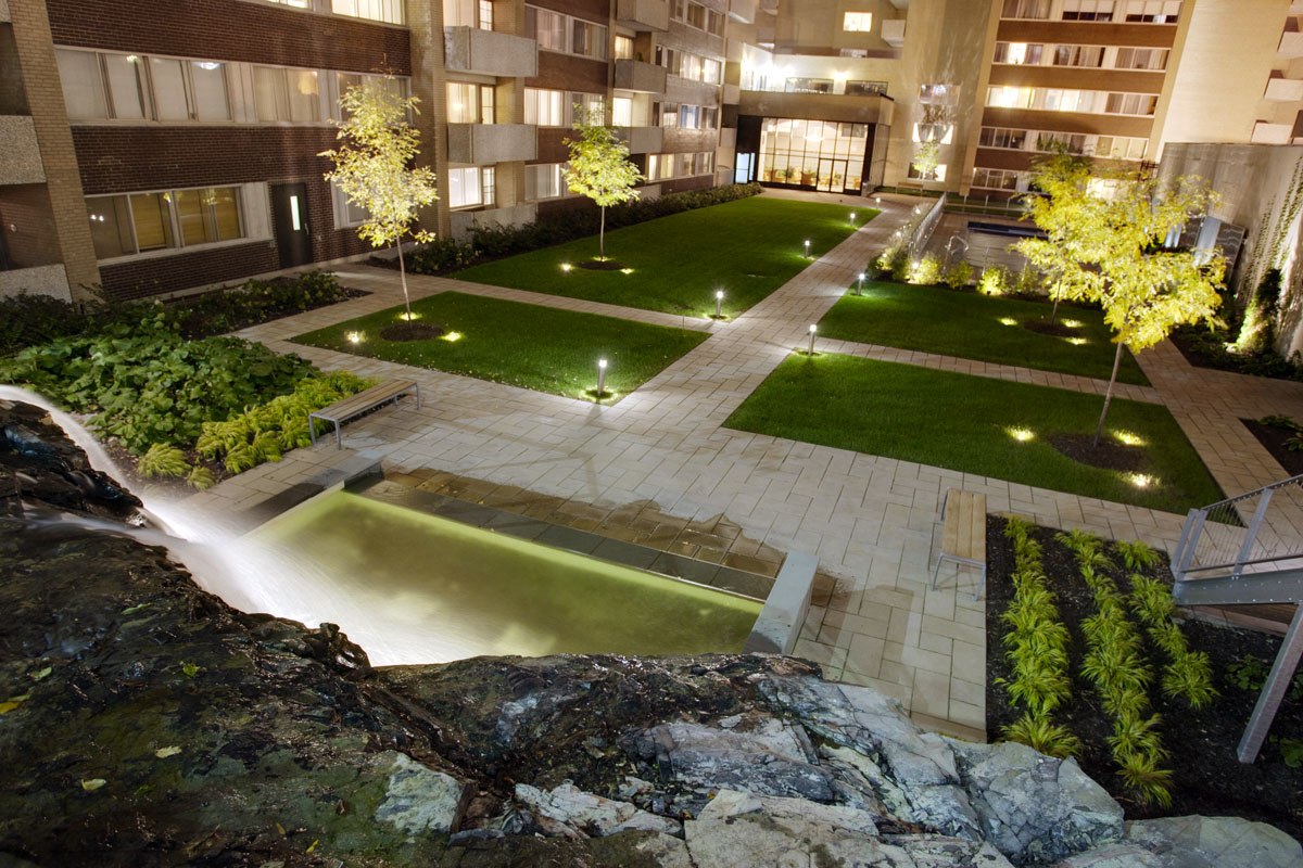 luxurious 1 bedroom Apartments for rent in Montreal (Downtown) at Le Parc - Photo 02 - RentQuebecApartments – L1788