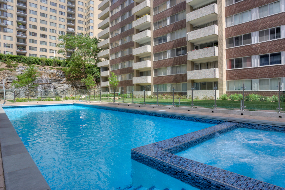 luxurious 1 bedroom Apartments for rent in Montreal (Downtown) at Le Parc - Photo 05 - RentQuebecApartments – L1788