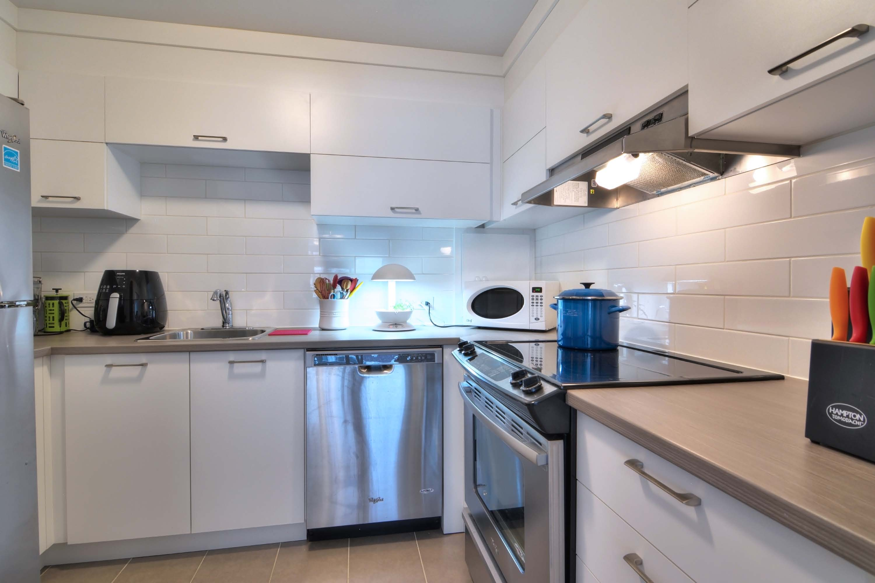 luxurious 1 bedroom Apartments for rent in Montreal (Downtown) at Le Parc - Photo 07 - RentQuebecApartments – L1788
