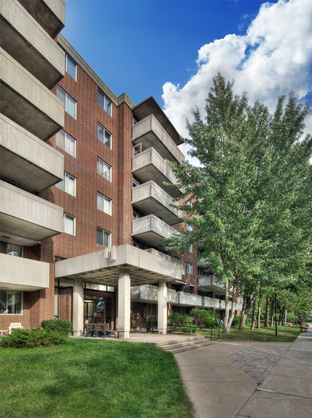 1 bedroom Apartments for rent in Kirkland at Promenade Canvin - Photo 03 - RentQuebecApartments – L9540