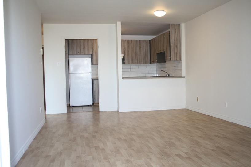 1 bedroom Apartments for rent in Ville St-Laurent - Bois-Franc at Plaza Oasis - Photo 02 - RentQuebecApartments – L605