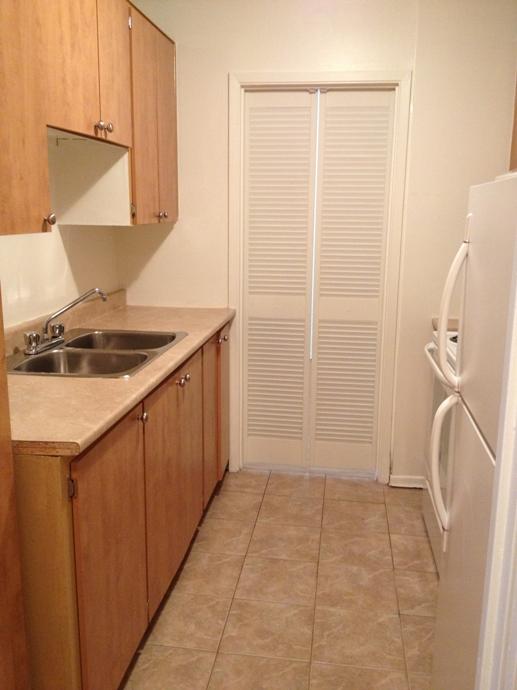 1 bedroom Apartments for rent in Ville St-Laurent - Bois-Franc at Plaza Oasis - Photo 04 - RentQuebecApartments – L605