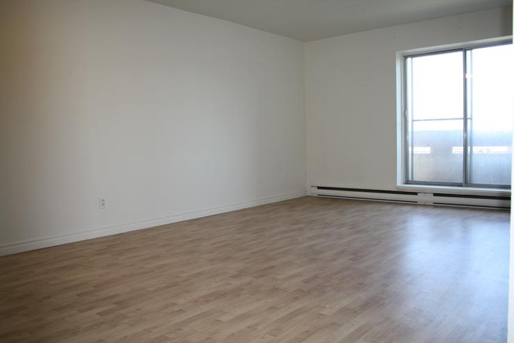 1 bedroom Apartments for rent in Ville St-Laurent - Bois-Franc at Plaza Oasis - Photo 15 - RentQuebecApartments – L605