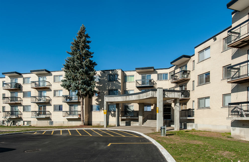 1 bedroom Apartments for rent in Pierrefonds-Roxboro at Place Riviera - Photo 02 - RentQuebecApartments – L35788
