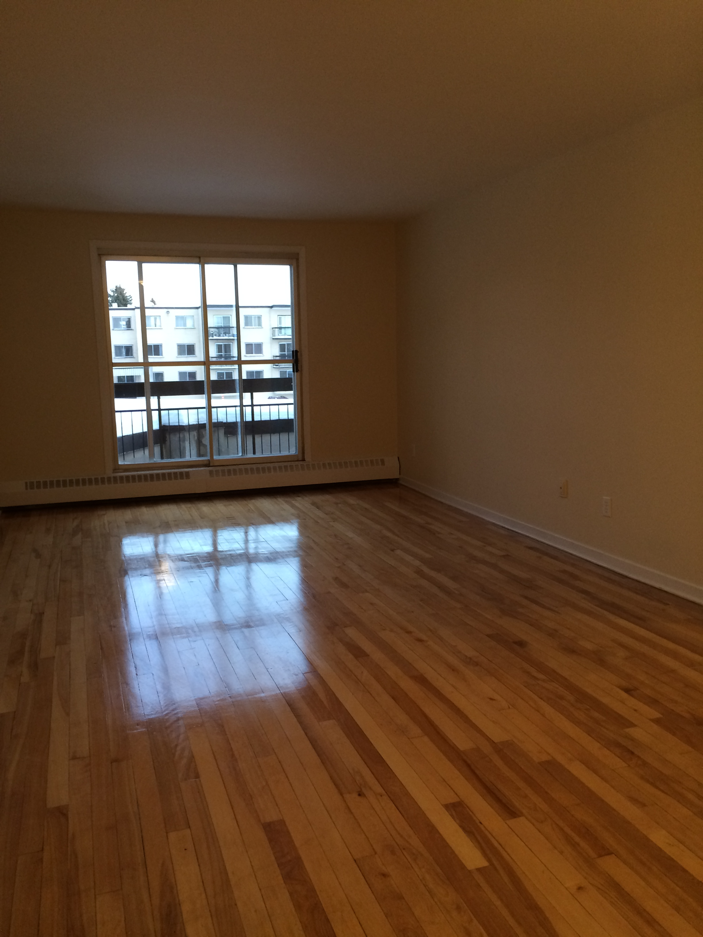 1 bedroom Apartments for rent in Pierrefonds-Roxboro at Place Riviera - Photo 11 - RentQuebecApartments – L35788