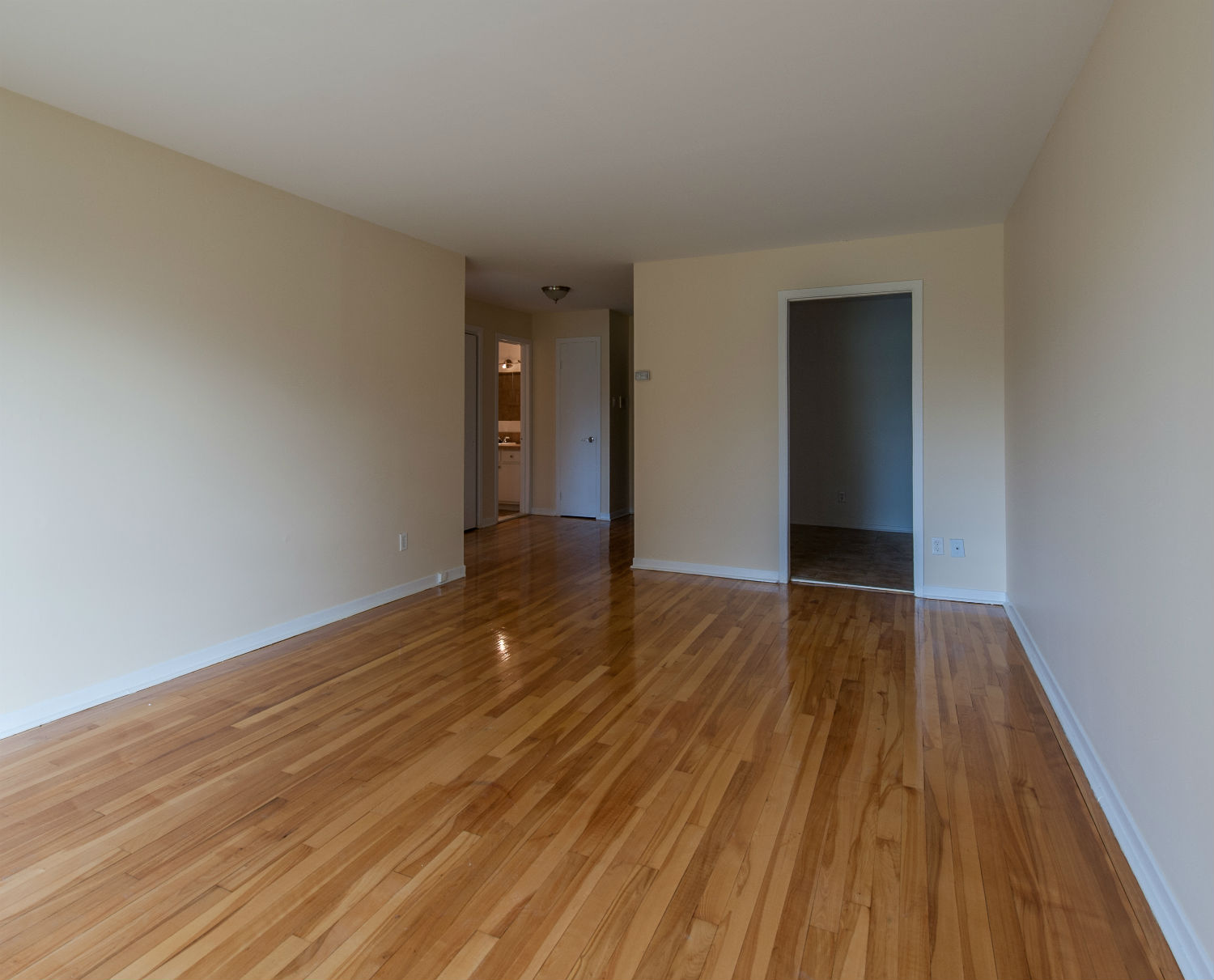 1 bedroom Apartments for rent in Pierrefonds-Roxboro at Place Riviera - Photo 09 - RentQuebecApartments – L35788