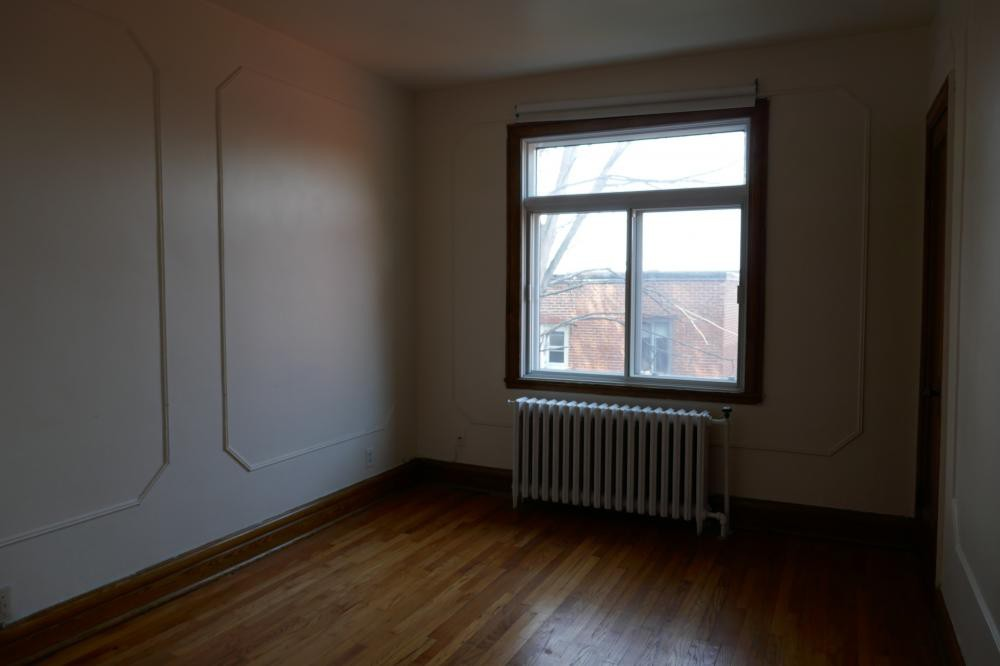 Studio / Bachelor Apartments for rent in Cote-des-Neiges at 5674 Avenue Gatineau - Photo 03 - RentQuebecApartments – L401052