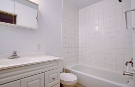 3 bedroom Townhouses for rent in Pointe-Claire at Tudor Court - Photo 01 - RentQuebecApartments – L9822