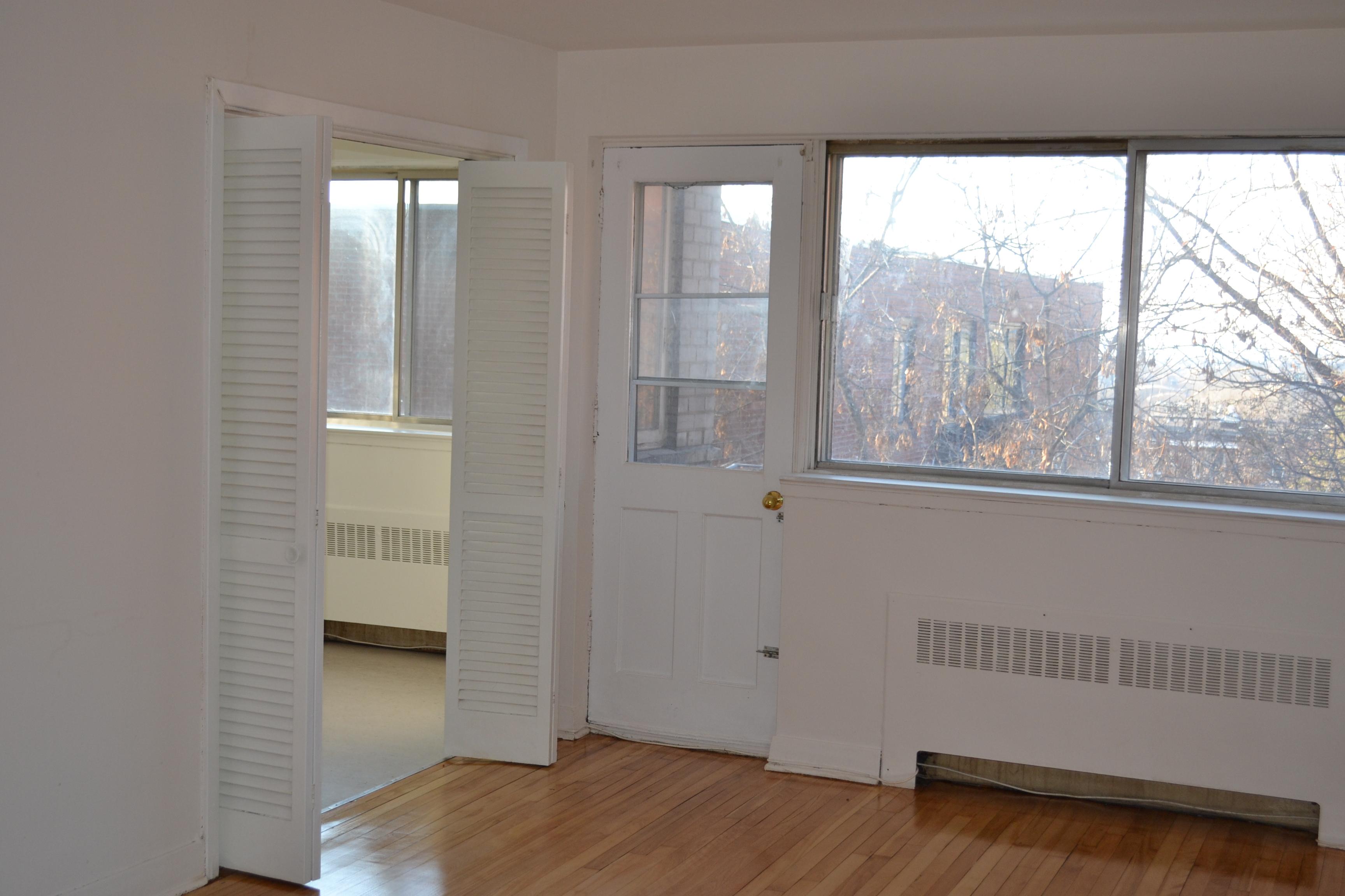 1 bedroom Apartments for rent in Cote-des-Neiges at 2615-2625 Kent - Photo 01 - RentQuebecApartments – L20719